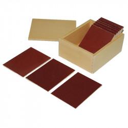 Tablettes rugueuses avec boite Montessori